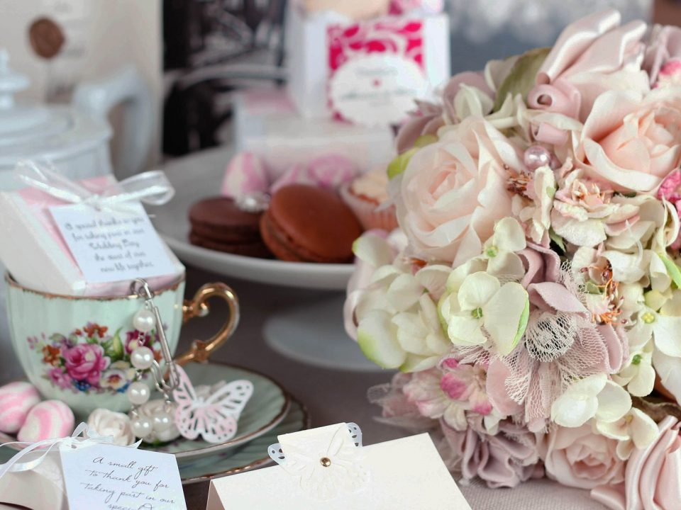 Six must haves to throw the prefect tea party